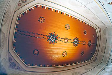 The ceiling of the ground floor room in the central building of Sheikh Abdullah's complex
