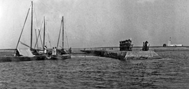 The pier on the Hawar islands, probably taken around 1938 – courtesy of Qatar Digital Library