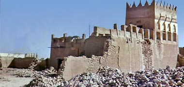 The north corner of the complex of Sheikh Abdullah bin Jassim at feriq al-Salata viewed from the south-west in the 1960s – image developed from a video with permission from glasney on YouTube