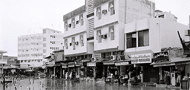 The centre of the suq at Doha inundated by floodwater in the 1980s – with permission from ?salat? on Flickr