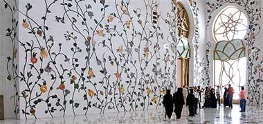 دکوراسیون از دیوار و کف در مسجد جامع، ابوظبی - با کسب اجازه از طراح، کوین دین