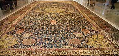 فرش Aradabil نمایش داده شده در موزه ویکتوریا و آلبرت