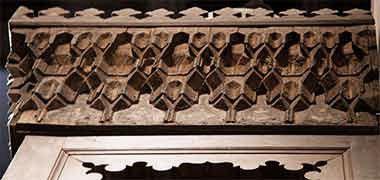 جزئیات از pendentives در بالای یک منبر در موزه ویکتوریا و آلبرت