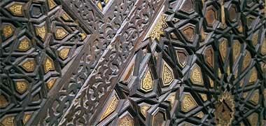 جزئیات از کنار پلهها در منبر در موزه ویکتوریا و آلبرت